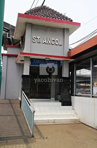 Pintu Masuk Stasiun