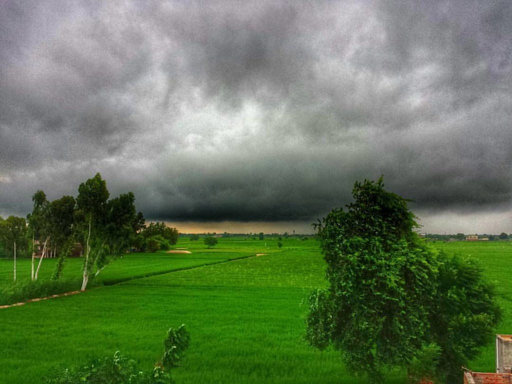 incredible monsoon nimbus clouds over fileds in punjab mo flickr