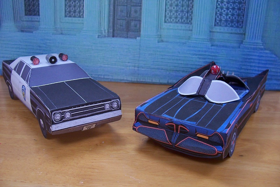 Papercraft Gotham City Police Car And 1966 Batmobile Flickr