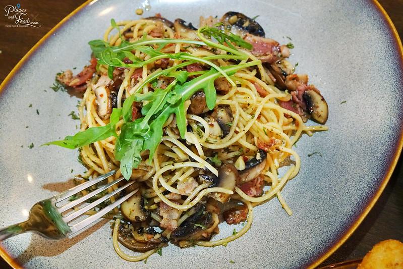 epicuro usj taipan mixed mushroom pasta