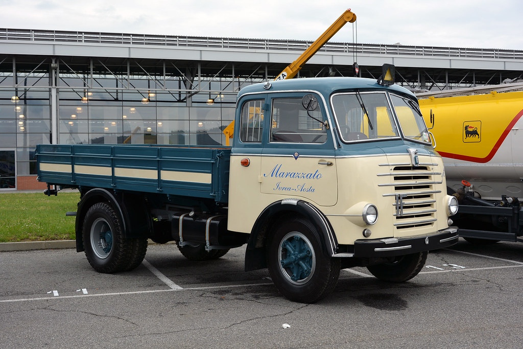 isotta fraschini d65 history glory iveco cnh industria flickr