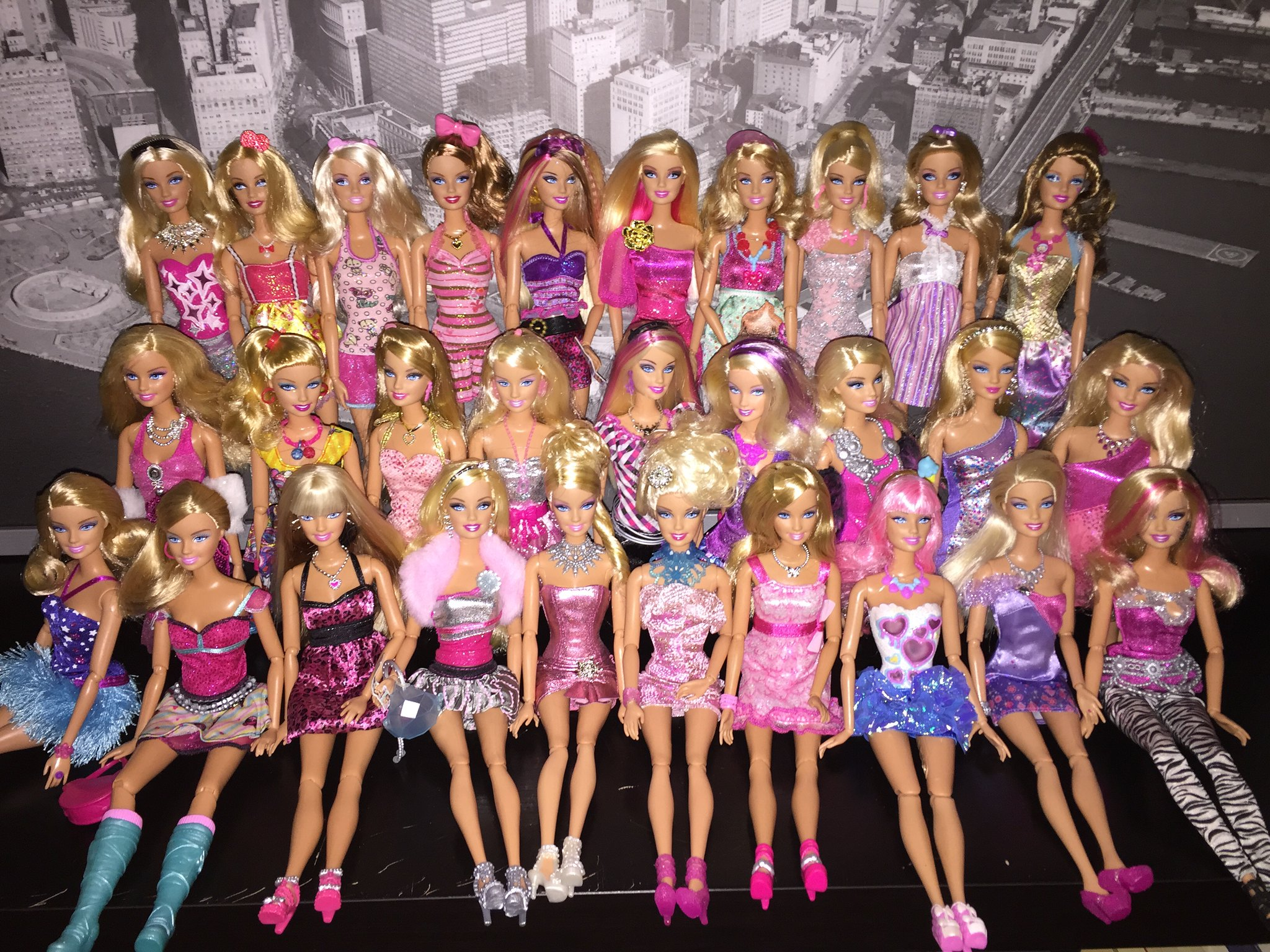 Barbie Fashionistas Collection #barbie #doll #dolls #mattel #fashionistas #collection #teresa #raquelle #summer #nikki #artsy #sporty #glam #sweety #cutie #sassy #ken #ryan #maledollcollector #guydollcollector #gaydollcollector