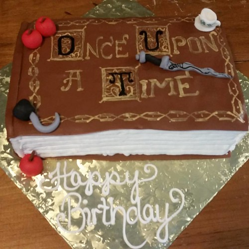 I have a not-so-secret love of #Once...thrilled to finally do a cake for another fan! #onceuponatime #vegancake | by Hippie Chick Bakery