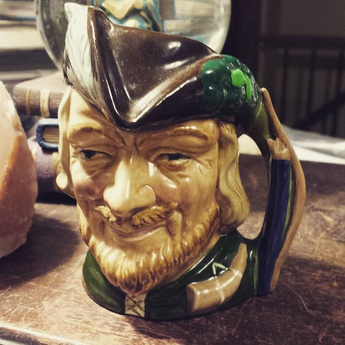 Toby mug II: Robin Hood. Note his drinking horn and that his bow is the mug handle! #antiquing
