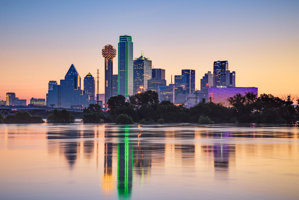 dallas skyline at dawn when the trinity river is flooded flickr