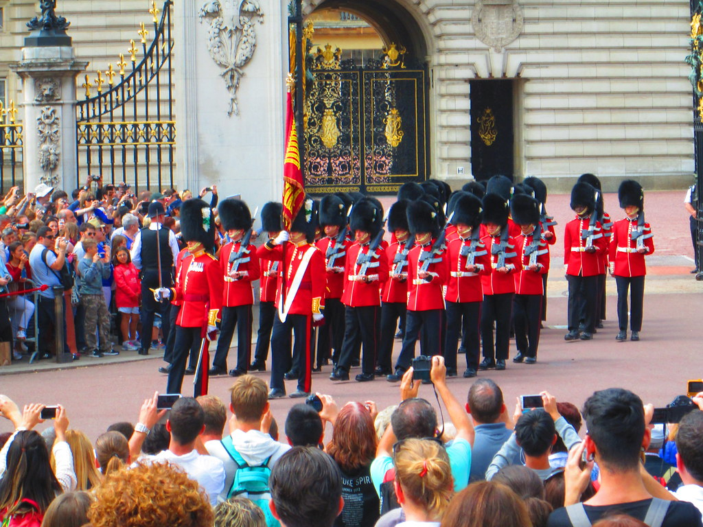 Changing of the Guard Standard, Buckingham Palace
