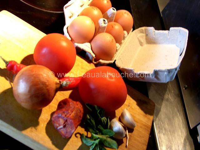 Omelette Fourrée à la Tomate et Chorizo © Ana Luthi Tous droits réservés 007