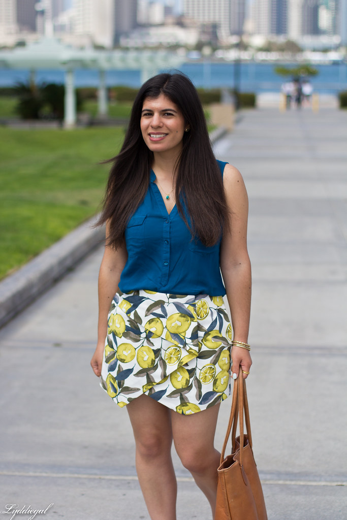 leomon print skort, teal blouse, jeweled sandals-1.jpg
