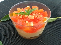 Mousse de mascarpones con chocolate y papaya confitada