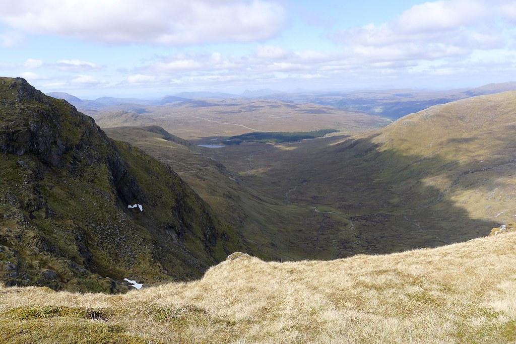 Towards Loch a' Bhraoin