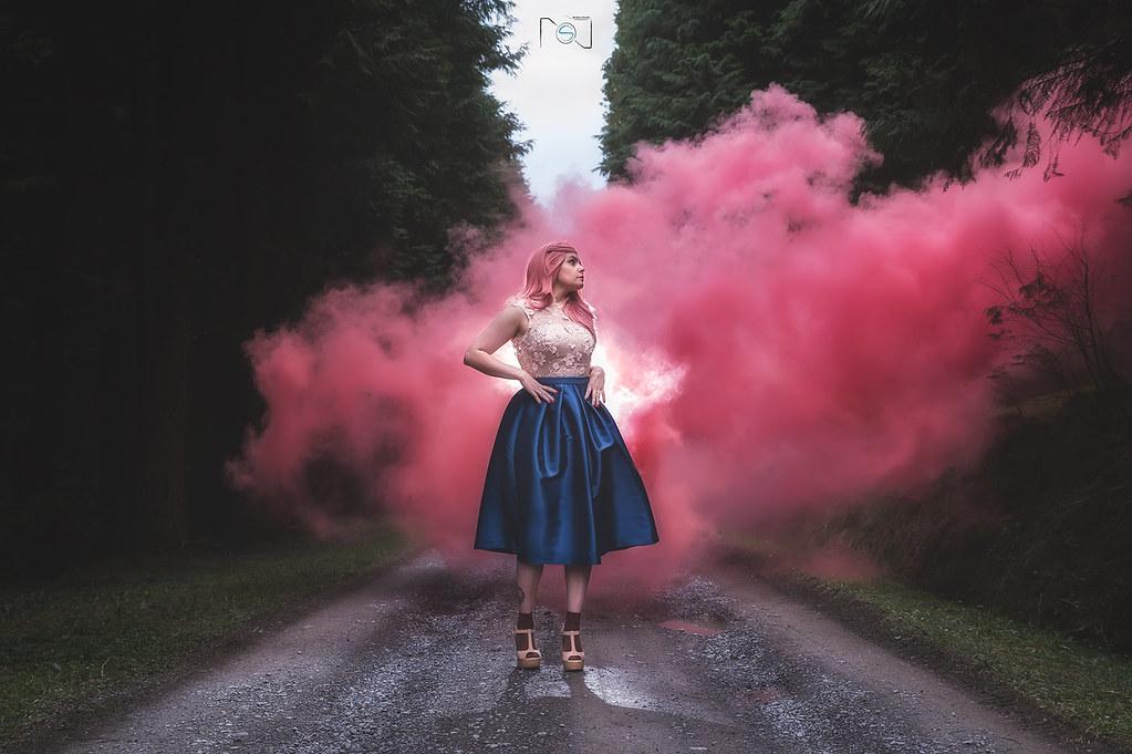 """07.- """"Smoked Girl"""" - nevado18"""