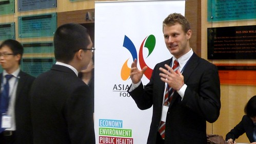 Participants chatting during the break | by Asia-Europe Foundation