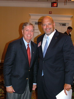 Sen. Graham with East Cooper Republican Club President Mark Smith. | by LindseyGraham.com