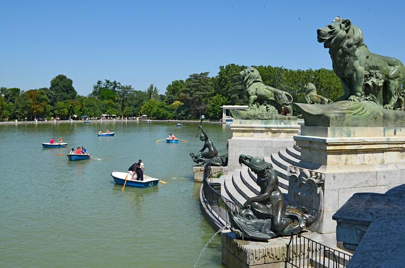 Boating lake, Park de El Retiro, Madrid