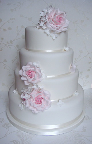 wedding cake light pink roses pale pink amp white hydrangea wedding cake made for 23085