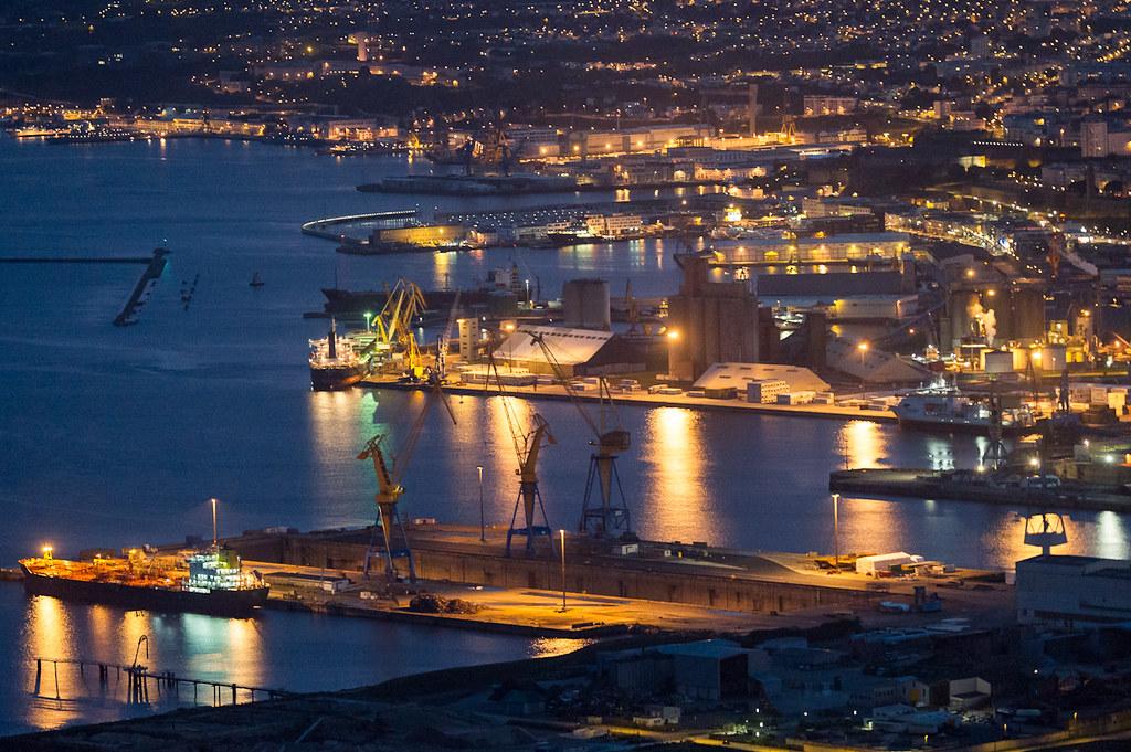 Dsc 0829 le port de by night le port de commerce de - Surplus militaire brest port de commerce ...