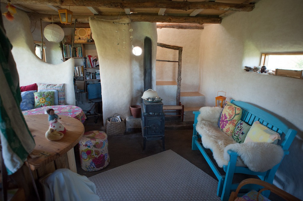 Cob house interior summer 2012 flickr - The cob house the beauty of simplicity ...