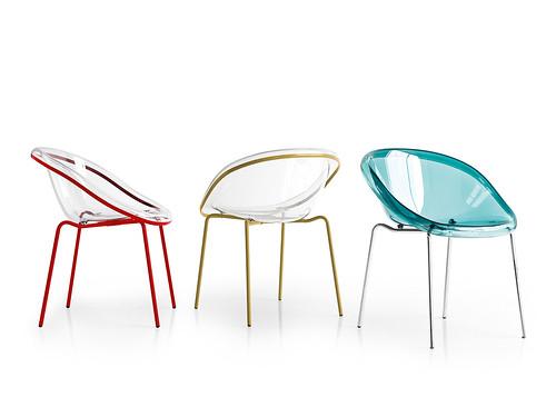 Sedie di design in metallo e policarbonato nella foto le for Sedie design policarbonato
