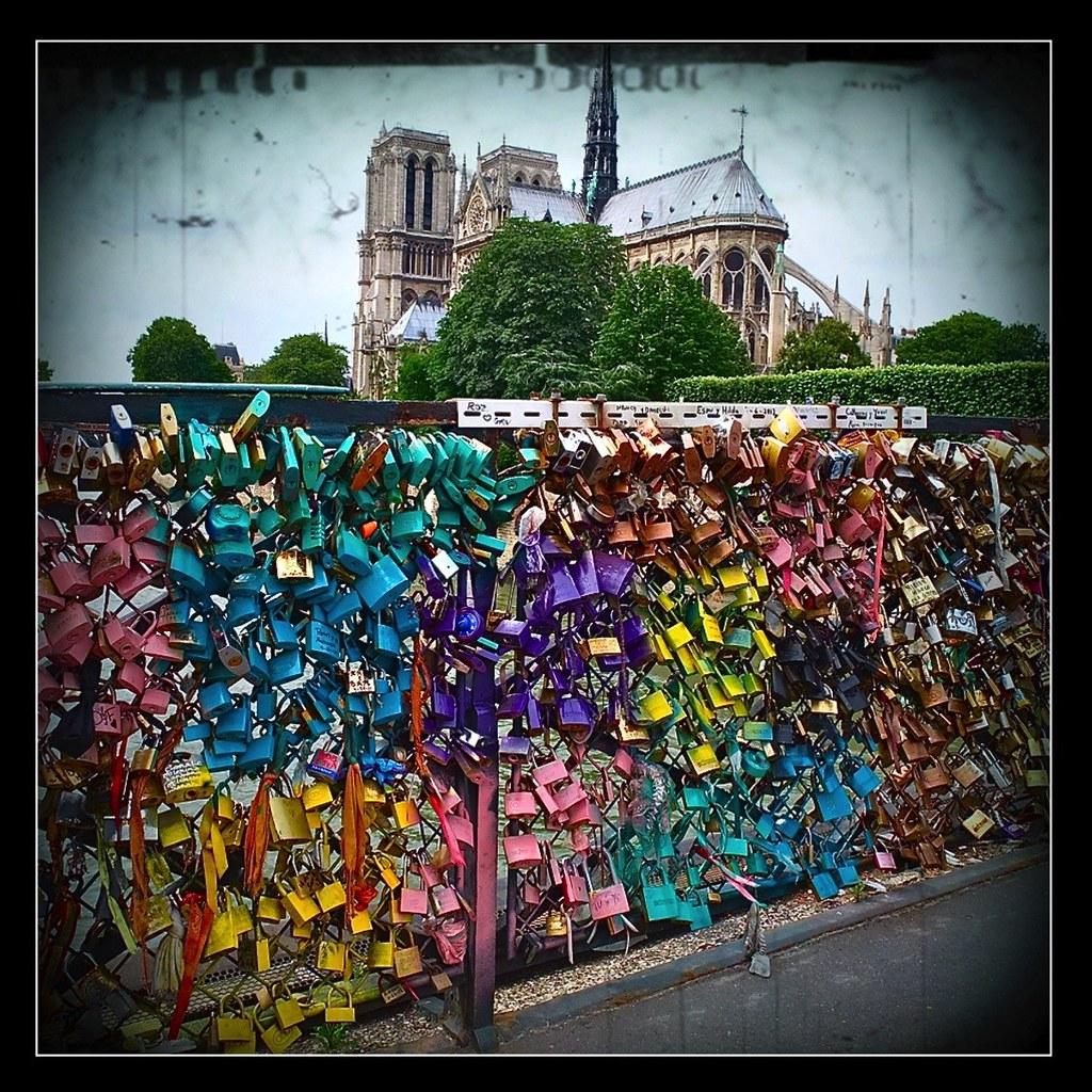 Cadenas d 39 amour pont de l 39 archev ch paris hubert maro huber - Le pont de lamour a paris ...