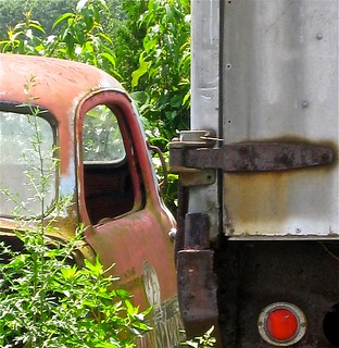 rusty car/truck tucked away | by muffett68 ☺☺