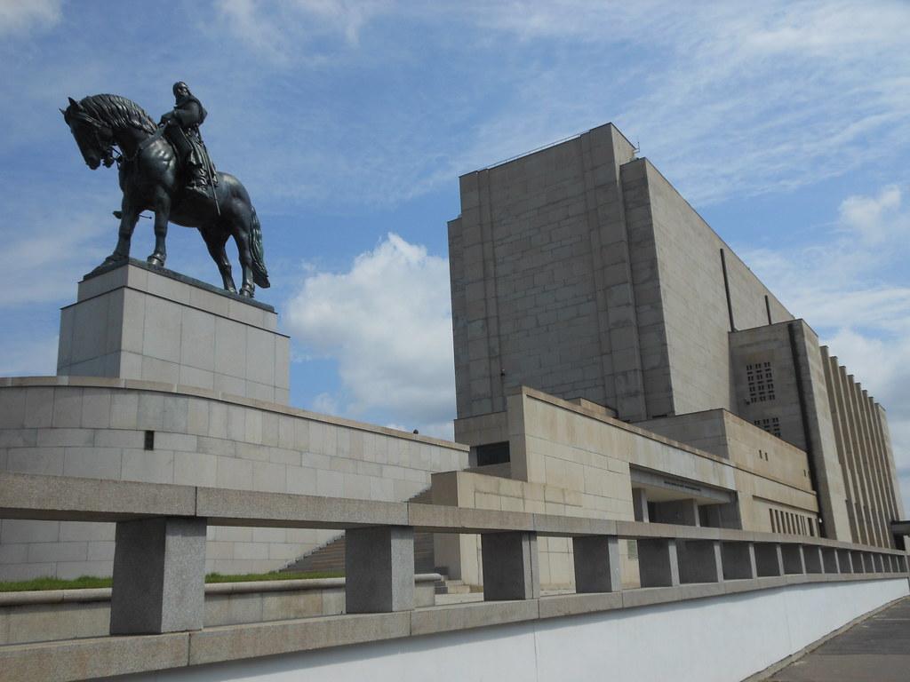 Jan Zizka statue and National Monument, Vitkov Hill, Pragu ...