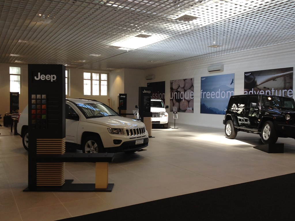 Motor Village Roma Il Nuovo Showroom Jeep Le Jeep Grand Flickr