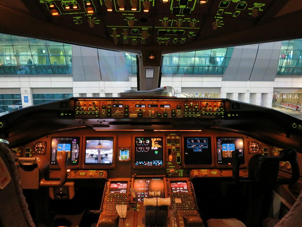 Ek 777 crash