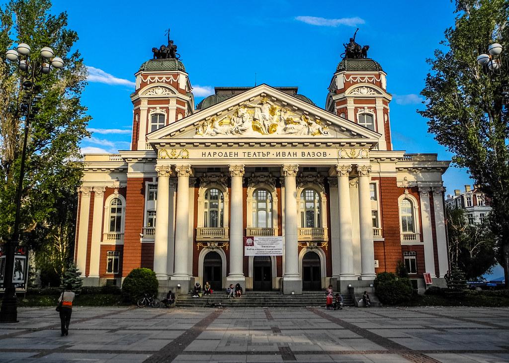 Imagini pentru teatrul national ivan vazov sofia