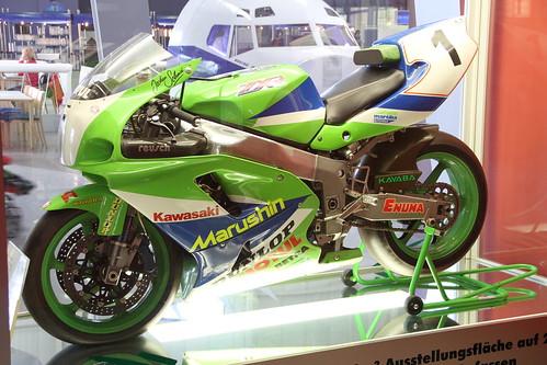 White Kawasaki Zxr