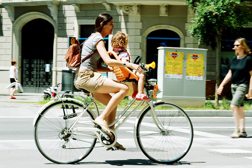 moms cycling | by Barcelona Cycle Chic