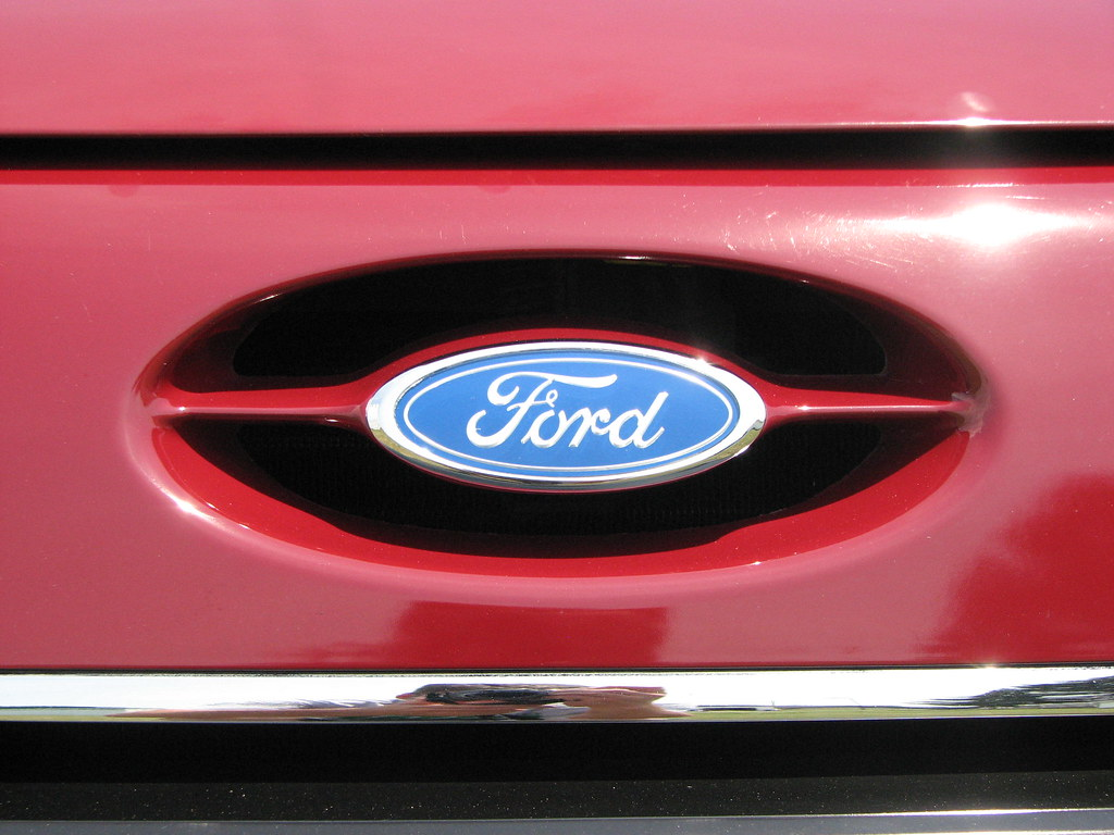 About The Taurus Sign >> Ford Taurus Grille | Ford Emblem 1988 Ford Taurus LX | tolaviator | Flickr