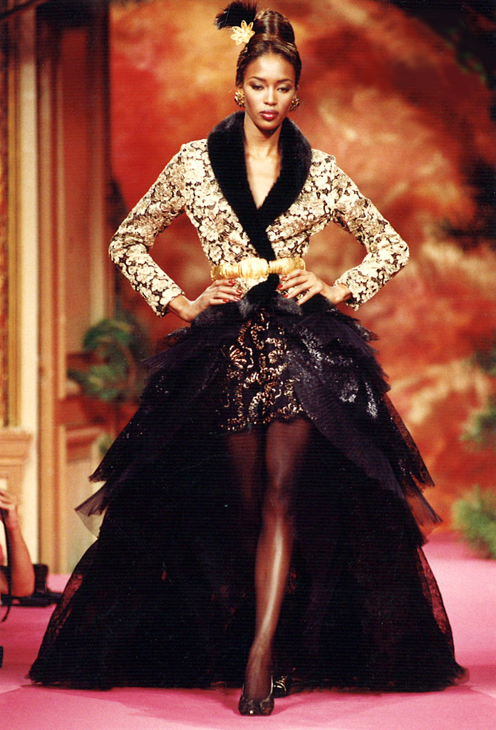 Christian lacroix haute couture fall winter 1991 for New haute couture designers