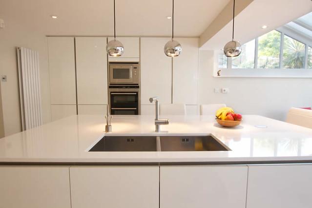 Handleless White Kitchen Ideas
