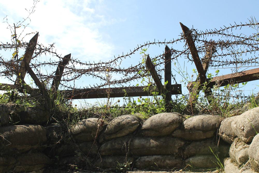 Butte de vauquois wwi barbed wire chevaux frise