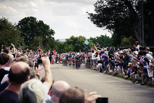 Bradley Wiggins leads the chasing pelaton | by ant217