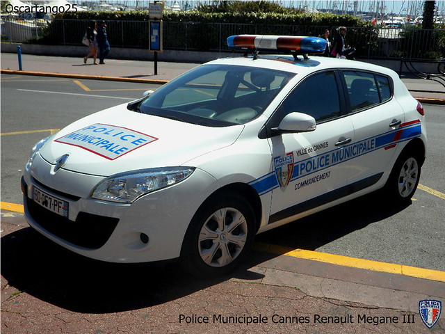Police municipale cannes renault megane iii another view for Police cannes