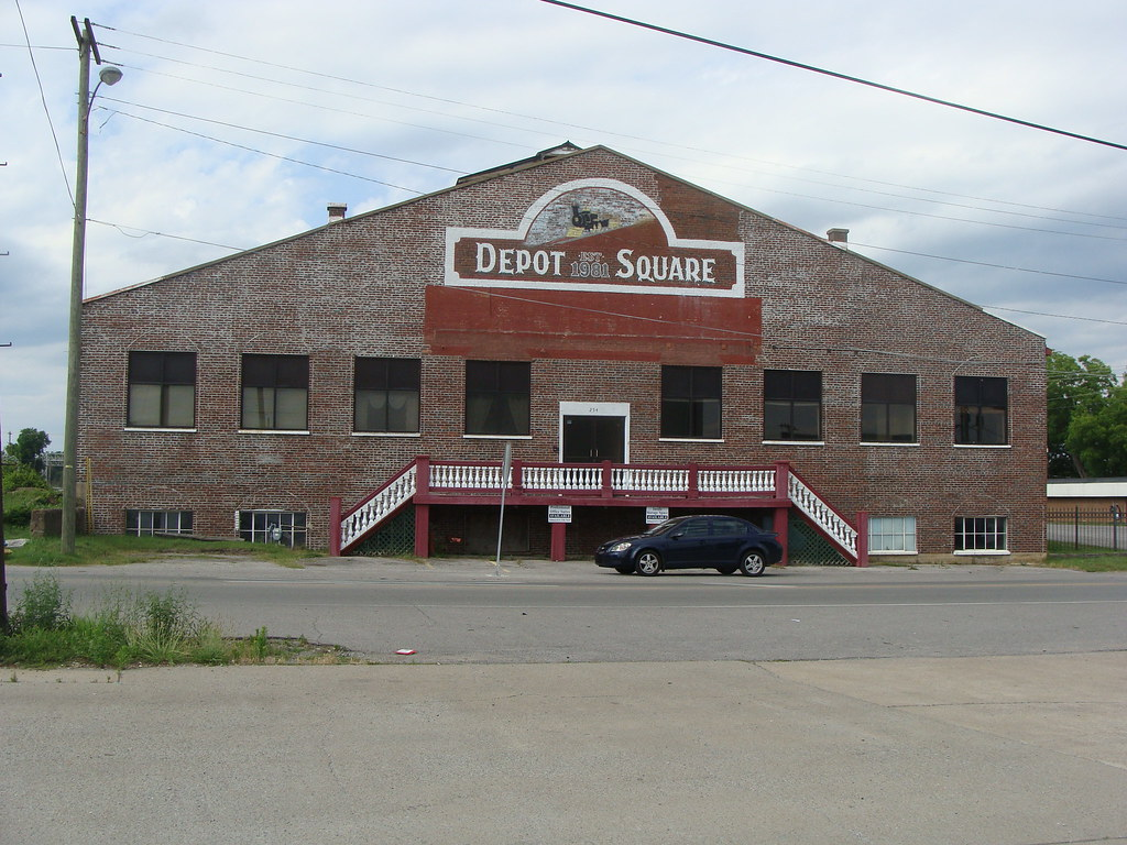 Depot Square Est 1981 Gallatin Tn Built By The L