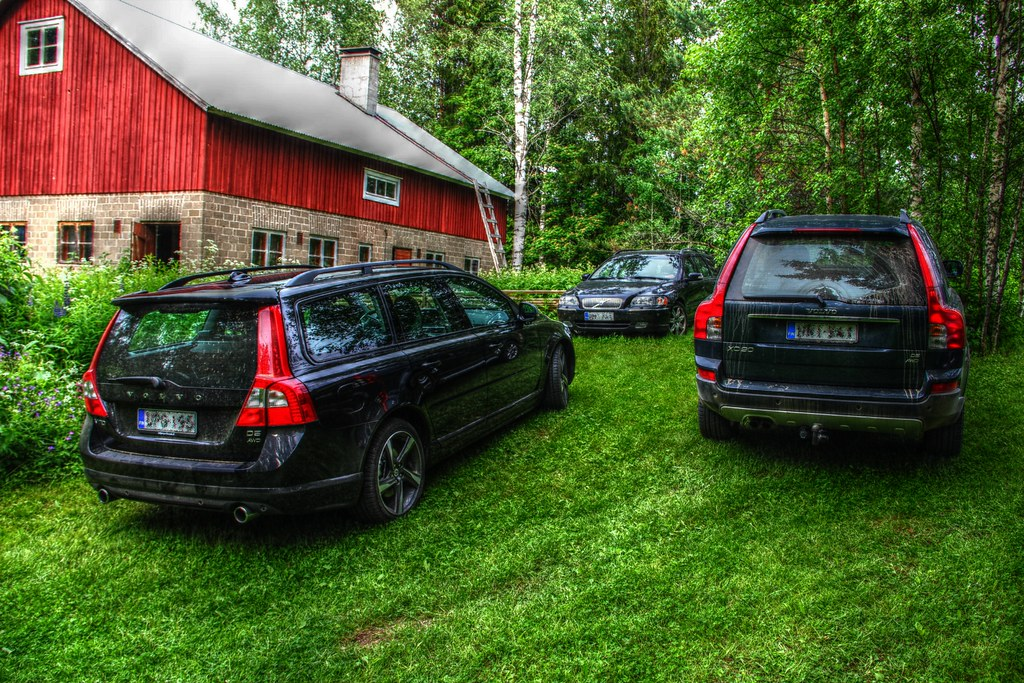 New Volvo V70 Old Volvo V70 Chipped And Volvo Xc90 Flickr