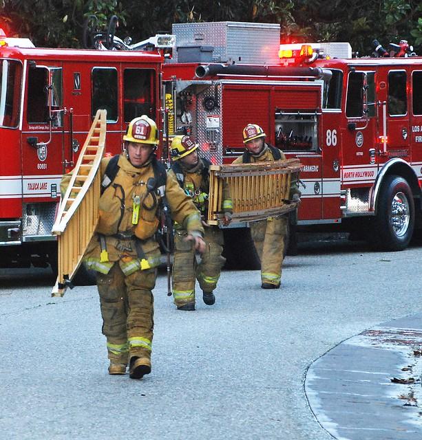 Lafd Station 9: LAFD Battling Beverly Hills Mansion Blaze – BK3