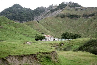 Farm House Retaruke Kaitieke Abandoned in New Zealand | by eriagn