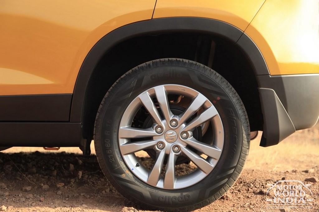 Maruti-Vitara-Brezza-Alloy-Wheel (3)