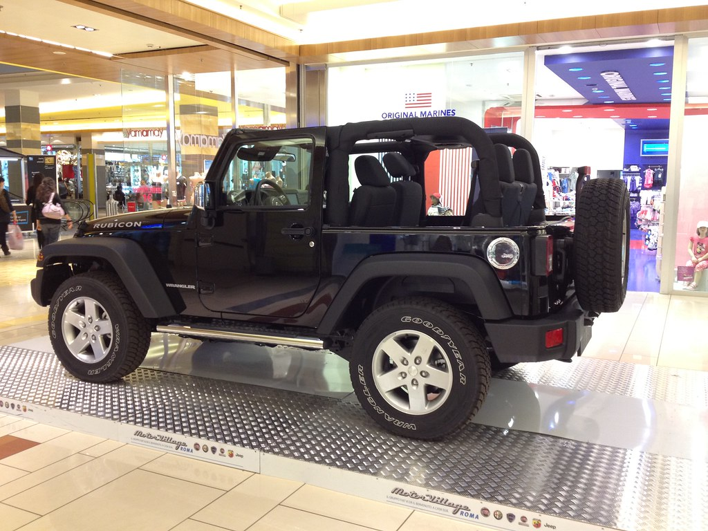 Jeep Wrangler Rubicon Porta Di Roma La Jeep Wrangler Rub Flickr