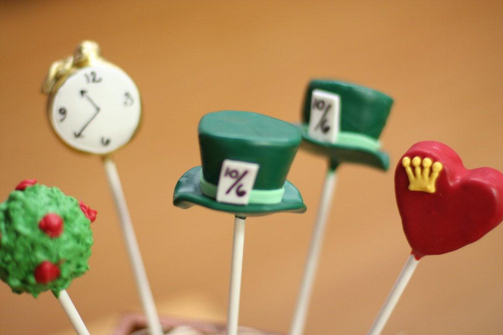 Alice in Wonderland Cake Pops Alice in Wonderland Cake Pops