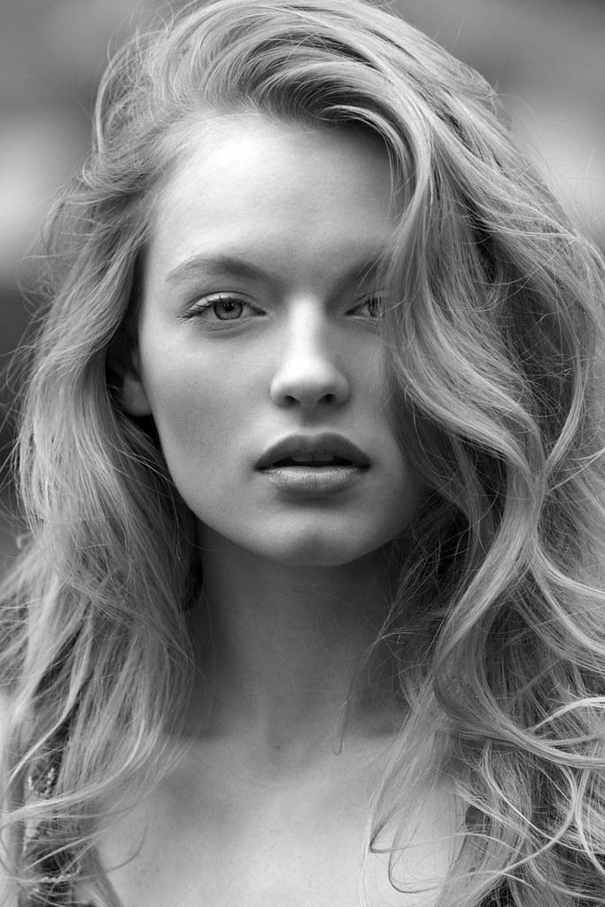 Isabella Farrell Nude Photos 5