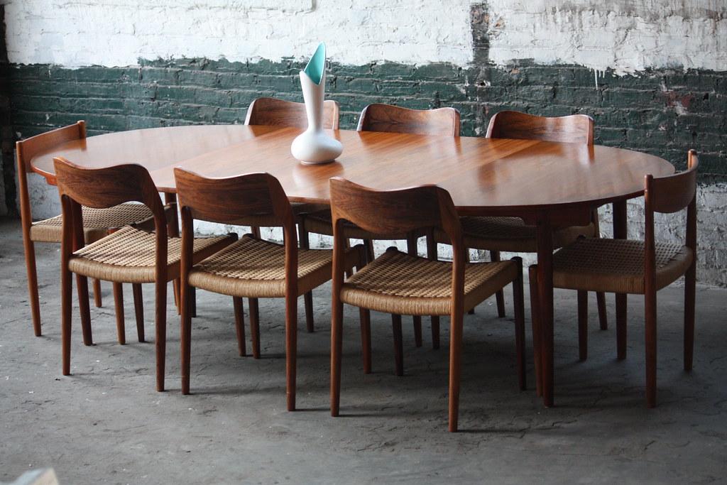 Handsome Hans Wegner Danish Expandable Mid Century Modern