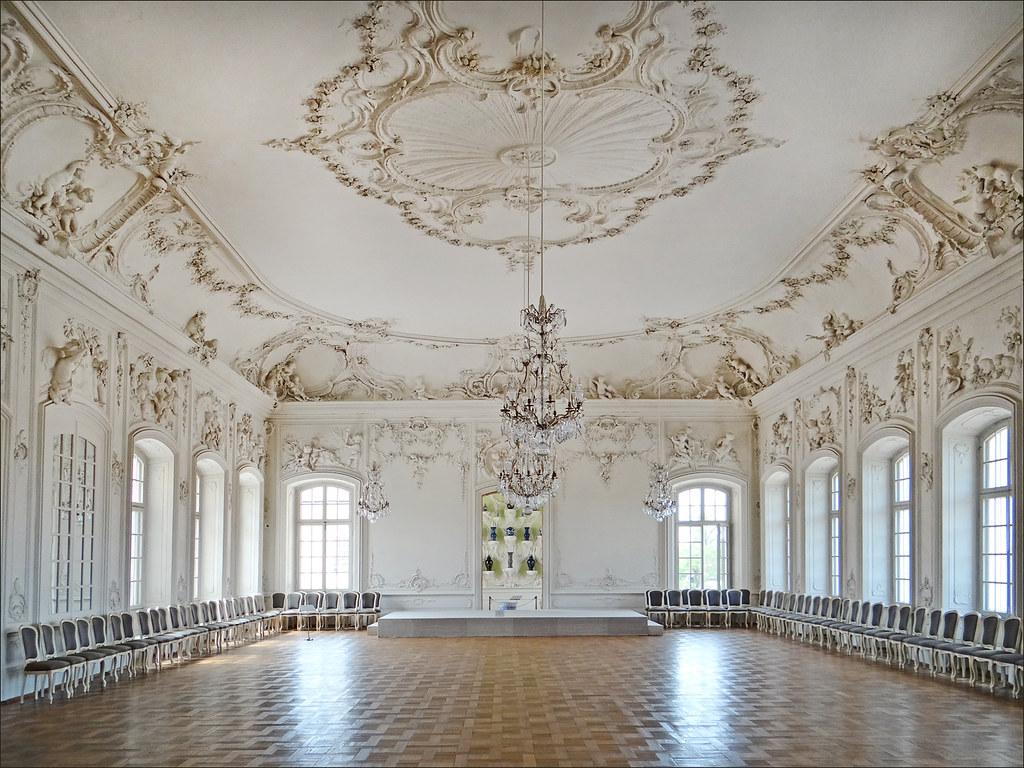 La salon blanc palais de rundale le salon blanc white - La residence eb par replinger hossner architects ...