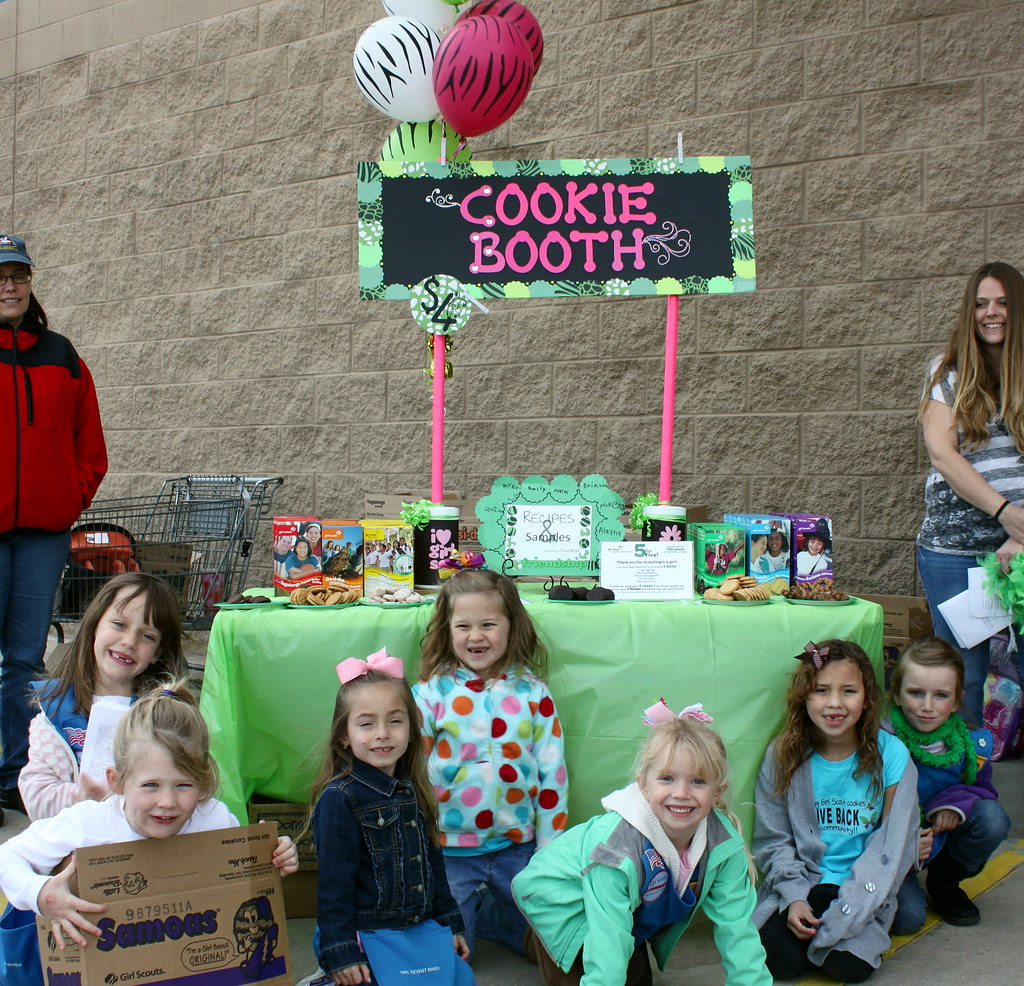 2012 cookie sale bling your booth contest troop 294