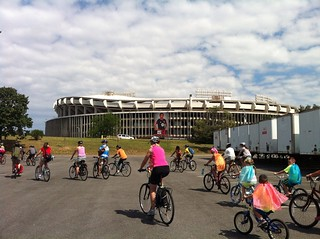 the peloton approaches RFK | by Joe in DC