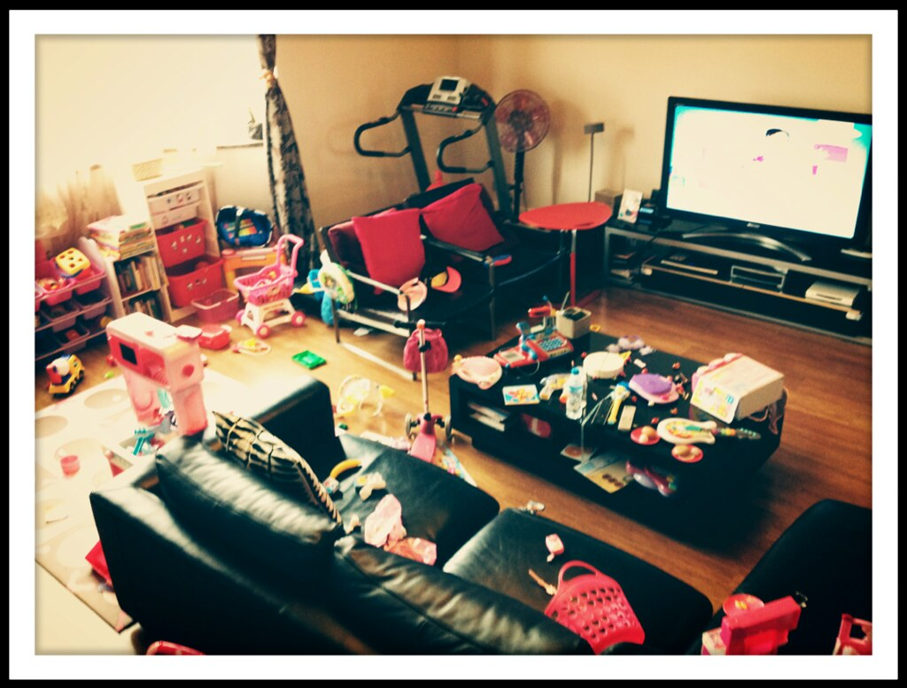 Messy Living Room Amanda Wouldn 39 T Stop Telling Me How