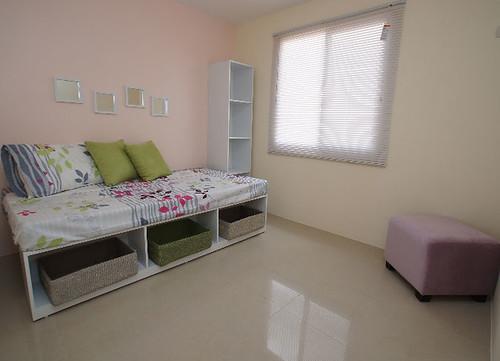 ahorrar espacio en habitaciones peque as repisas en las